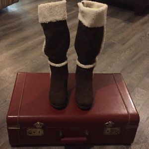 Cozy & comfy winter boots with a heel